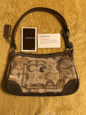 COACH handbag brown for Sale in Yardley, PA
