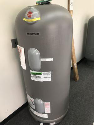 Rheem 85gal commercial water heater for Sale in Atlanta, GA