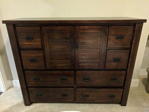 10 drawer dresser for Sale in Atlanta, GA