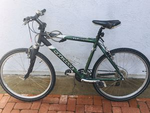 "Giant yukon se 19"" frame bike bicycle for Sale in Lake Forest, CA"