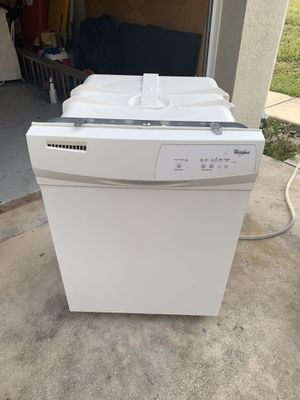 Whirlpool Dishwasher for Sale in Delray Beach, FL