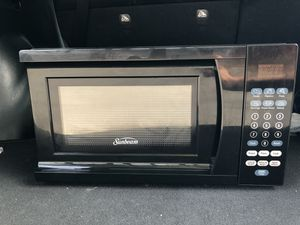 Sunbeam 0.7 cu ft Digital microwave for Sale in Knoxville, TN