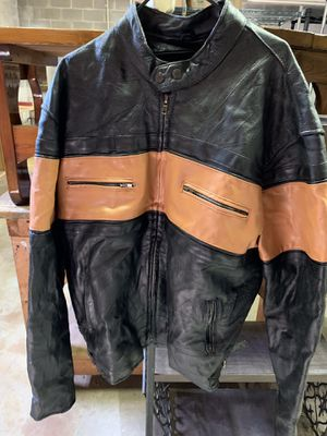 Diamond Plate Motorcycle Leather Jacket for Sale in Appomattox, VA
