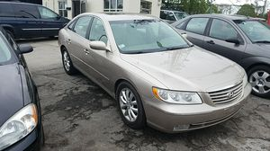 2006 Hyundai Azera limited for Sale in Milwaukee, WI