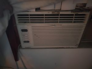 6000 bcu window ac works great blows cold for Sale in Perris, CA