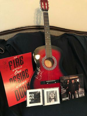 WE ARE MESSENGERS AUTOGRAPHED GUITAR, ALBUM, AND CD for Sale in Murfreesboro, TN