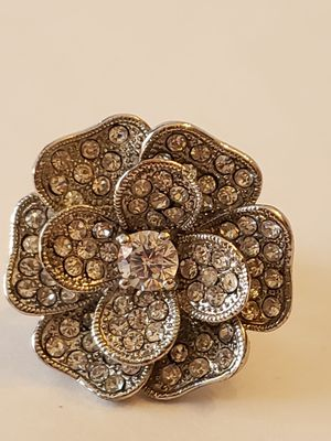 Beautiful flower style clusters with large faux stimulated diamond ring, for small fingers for Sale in Plainville, CT