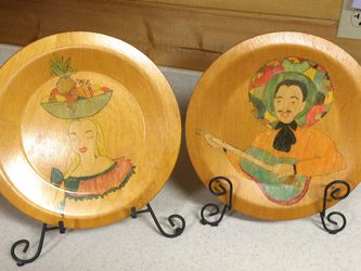 Pair Of Wood Plates for Sale in Seneca,  SC