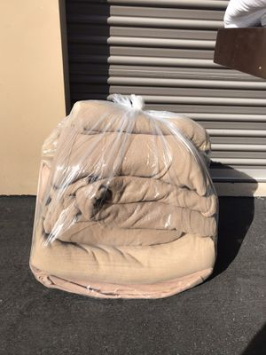 1 bag of 10 blankets / moving blankets for Sale in Las Vegas, NV