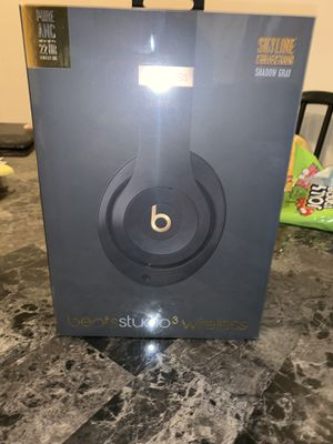 Beats Studio3 Wireless Headphones (Shadow Gray) for Sale in Chicago, IL
