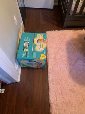 Baby girl clothes, crib, basinet, and more for Sale in Newark, NJ
