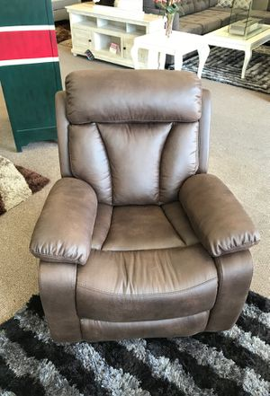 Power Recliner on sale @ elegant Furniture 🎈🛋🛏 for Sale in Fresno, CA