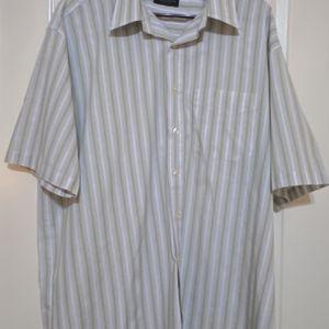 Men's Van Heussen Wrinkle Free Striped Short Sleeve Shirt 17-17 1/2 XL for Sale in Round Rock, TX