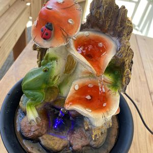 Lovely Mushroom Frog Fountain for Sale in Moreno Valley, CA