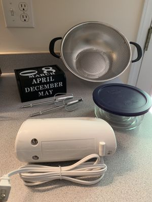 Lot 2 of kitchen stuff for Sale in Clayton, NC