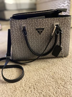 GUESS PURSE for Sale in Toledo, OH