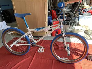 Se Bmx freestyle 24 inch bike basically brand new for Sale in Long Beach, CA