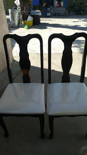 I have 4 chairs for free for Sale in Los Angeles, CA