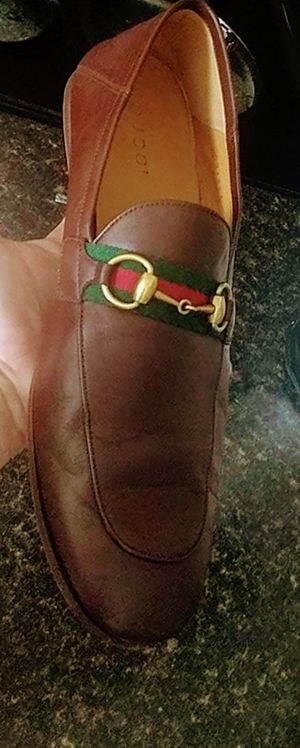 Authentic Gucci sz 10.5 loafers for Sale in Del Valle, TX