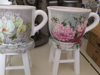 Plant Pot $30 Bench AND Flowers Pot for Sale in Tucson,  AZ