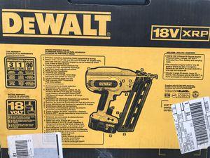 Dewalt 18volt 16g. Angled finisher nailer kit for Sale in Simpsonville, SC