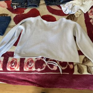 Sweater for Sale in Thomasville, NC