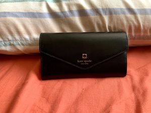 Kate Spade Charlotte Jean Terrace Wallet for Sale in Euclid, OH