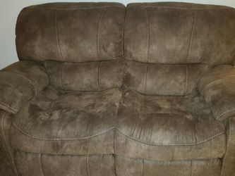 Recliner Set and Table for Sale in Homestead,  FL