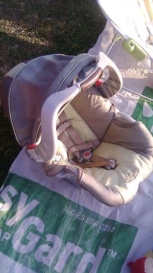 Graco baby car seat for Sale in Highland, CA