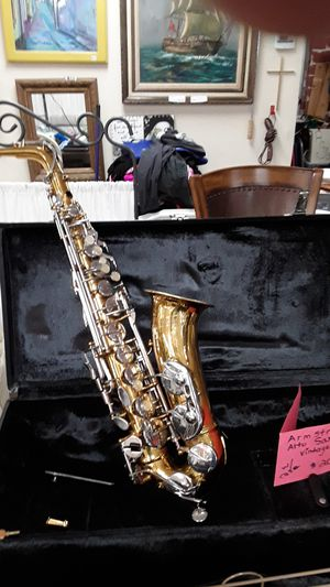 Vintage Armstrong Sax for Sale in Poway, CA