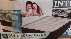 Intex. Air mattress queen for Sale in Las Vegas, NV