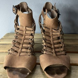 Vince Camuto Sandals Heels 7.5 for Sale in Snohomish, WA