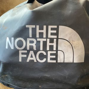 North Face Duffle Bag (large) for Sale in Los Angeles, CA