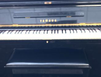 Yamaha Piano Black for Sale in West Palm Beach,  FL