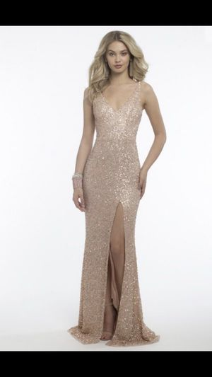 New Camille dress blush/ rose gold size 3/4 Serious buyers plz for Sale in Newark, CA