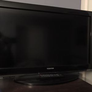 TV - 32 inch for Sale in Elk Grove Village, IL