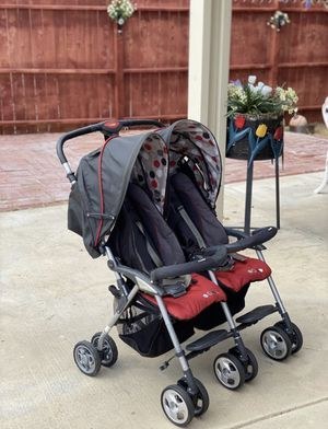 Combi Fold N Go Double Stroller !! Very clean for Sale in March Air Reserve Base, CA