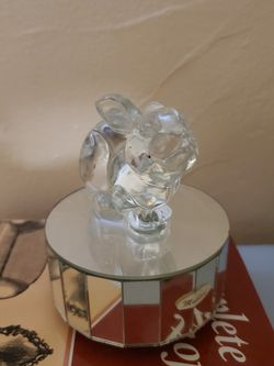 CRYSTAL RABBIT MUSIC BOX . for Sale in Miami,  FL