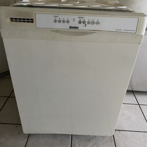 Kenmore Dishwasher for Sale in Milton, FL