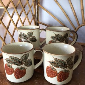 Set 4 Strawberry Stonewear Mugs Cups Vintage Farmhouse Urban Mid Century Modern Boho Bohemian Pyrex Collectors Style Pottery Retro Antique for Sale in San Diego, CA