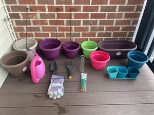 Potted plant gardening supplies for Sale in Aliquippa, PA