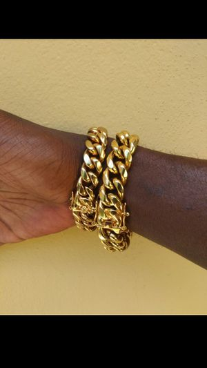 $150.....14k or 18k gold-plated Cuban link 2bracelets..... Shipping is available 🛫✈️🛬 or I deliver 🚗🏍️💭💭 for Sale in Hollywood, FL
