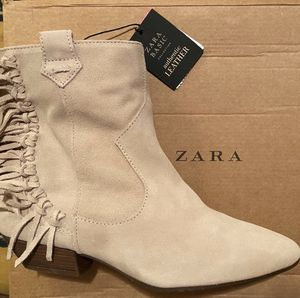 Zara Basics Authentic Leather Booties for Sale in Chicago, IL