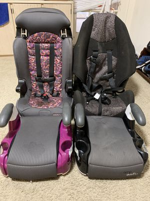 2 car seats and 2 boosters for 20$ for Sale in San Diego, CA
