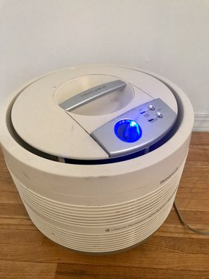 Honeywell HEPA air purifier for Sale in Queens, NY