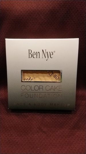 Ben Nye Color Cake Foundation (PC-40 Shinsei Ivory) for Sale in Ontario, CA