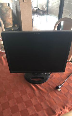 "Computer Gaming Monitor 17.5"" (Works) for Sale in Saint Petersburg, FL"