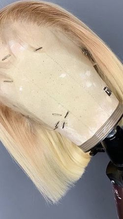 a full HD T4/613 (blonde) wig for Sale in Houston, TX
