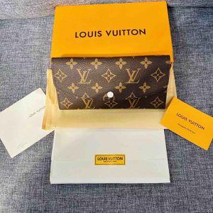 Louis Vuitton wallet for Sale in Auburn, WA