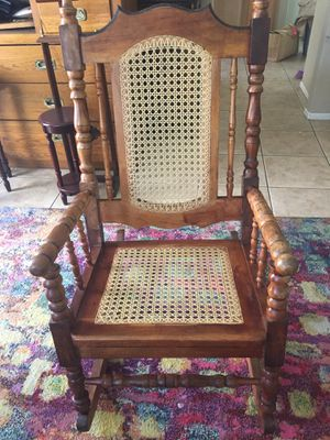 Gorgeous antique rocking chair for Sale in Las Vegas, NV